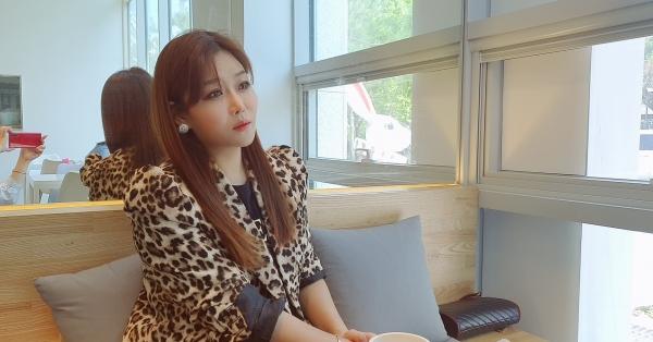 최근 '얼굴 좀 봅시다'로 활동하고 있는 노수현 가수를 지난 3일 서울 서초구의 한 카페에서 만나서 인터뷰했다. (사진=원성훈 기자)