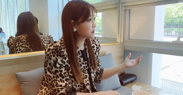노수현 가수가 3일 기자와의 인터뷰 도중에 진지한 표정으로 답변을 했다. (사진=원성훈 기자)